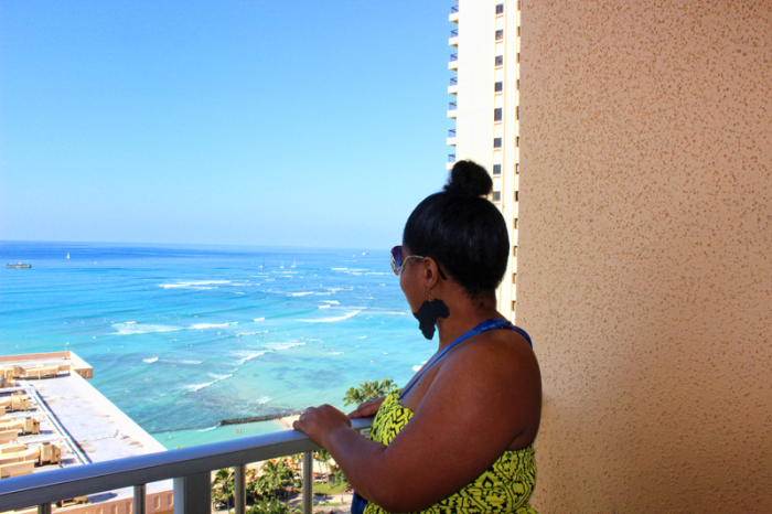 enjoying-hawaiian-view-from-pacific-beach-hotel