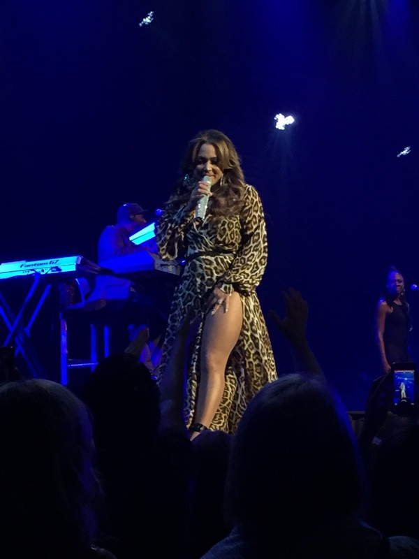 Tamia performs for the 1st time in 20 years in her hometown.