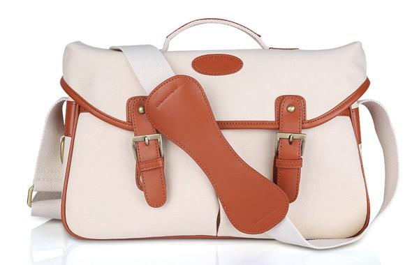16 Cute Stylish Camera Bags For Women
